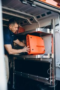 911Restoration-unloading-truck